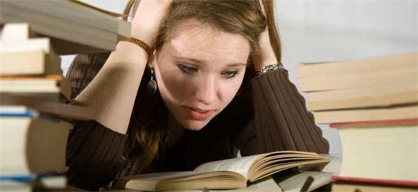 Khi bạn căng thẳng quá mức, cơ thể sẽ sản sinh hormone ảnh hưởng đến việc tăng cân. (Ảnh: Internet)