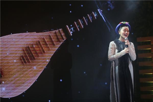Tại chương trình, Thu Hằng tự tin hát live 7 ca khúc hầu hết nằm trong MV đầu tay của cô. - Tin sao Viet - Tin tuc sao Viet - Scandal sao Viet - Tin tuc cua Sao - Tin cua Sao