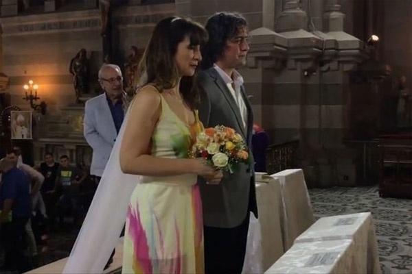 Một đám cưới đầy bất ngờ dành cho cô gái trẻ.