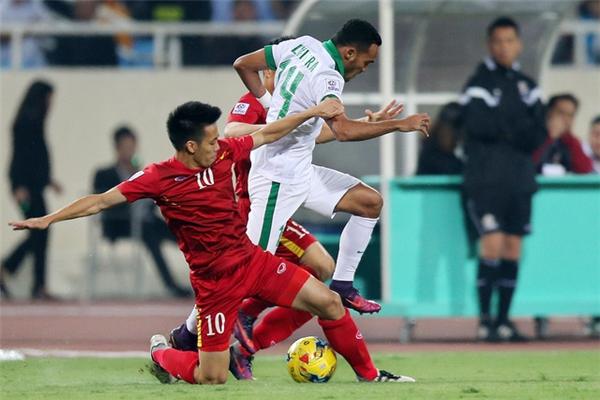 Dù thi đấu rất cố gắng nhưng Văn Quyết không thể tìm được mảnh lưới của đối thủ.