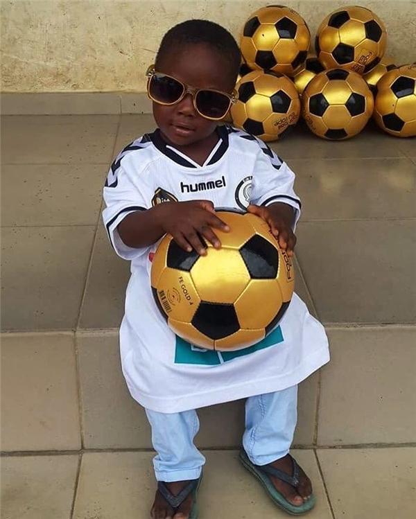 Điều kỳ diệu đã cứu vớt cậu bé Nigeria bị gọi là phù thủy