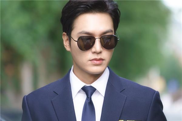 Há hốc trước 1001 nhân dạng của mĩ nam lừa đảo Lee Min Ho