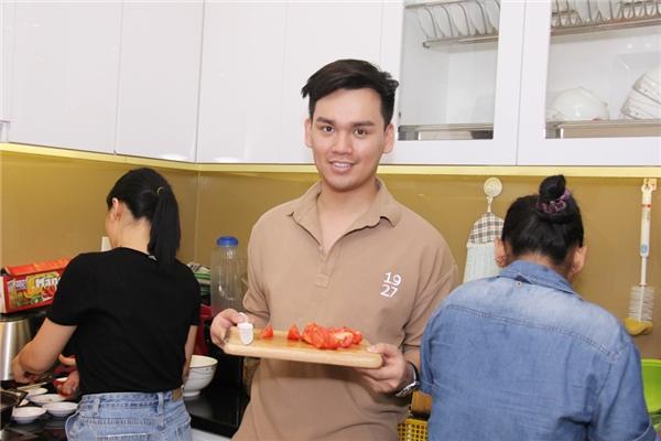 """Gần """"ngày cưới"""", Khắc Việt vẫn tự tay bồi dưỡng em trai và học trò - Tin sao Viet - Tin tuc sao Viet - Scandal sao Viet - Tin tuc cua Sao - Tin cua Sao"""