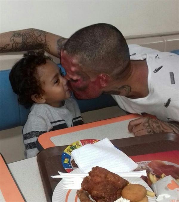 Henry vẫn là một người cha yêu thương con hết mực.