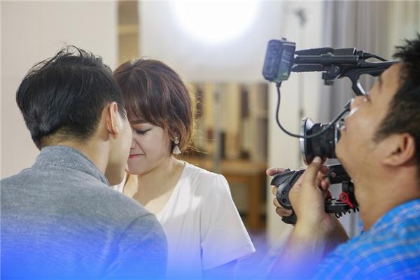 Hari Won gây sốc khi công khai khóa môi bạn trai Chúng Huyền Thanh - Tin sao Viet - Tin tuc sao Viet - Scandal sao Viet - Tin tuc cua Sao - Tin cua Sao