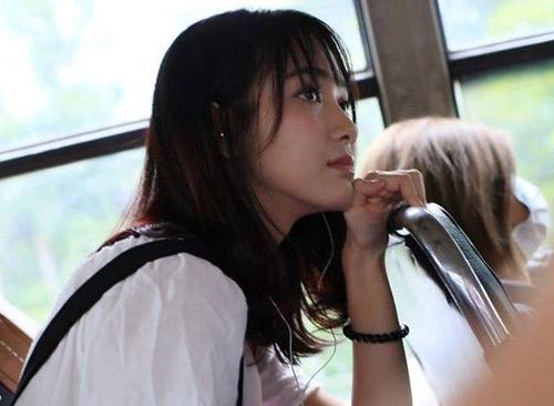 Jang Mi không chỉ sở hữu diện mạo xinh xắn, cô nàng còn có giọng hát ngọt ngào, trong trẻo.