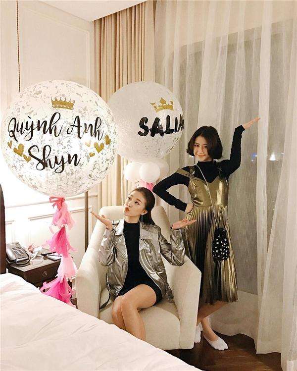 Ai cũng cần một tình bạn đẹp như Quỳnh Anh Shyn và Salim