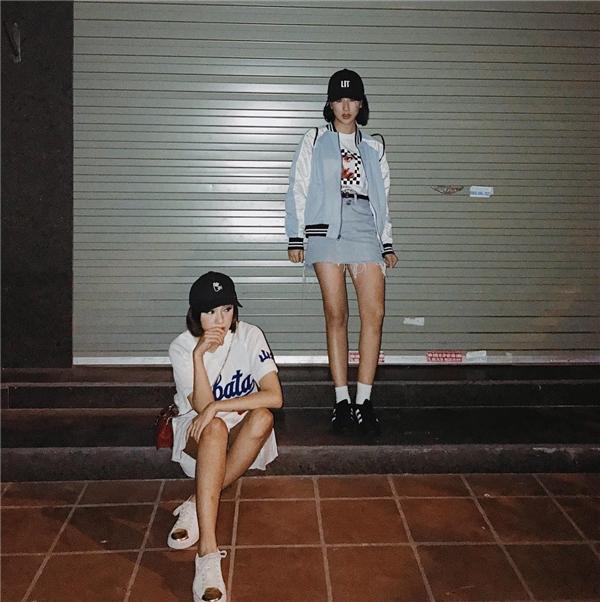 Bạn có muốn có một cô bạn thân giống như hai cô hot girl này?