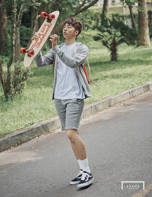 """Nam Joo Hyuk với thể hình săn chắc, thon gọn, gương mặt đẹpanh chàng dễ dàng hóa thân vào những vai diễn đẹp trai, hoàn hảo.Thậtkhó có thể tìm ra """"điểm chết"""" trên cơ thể của anh."""