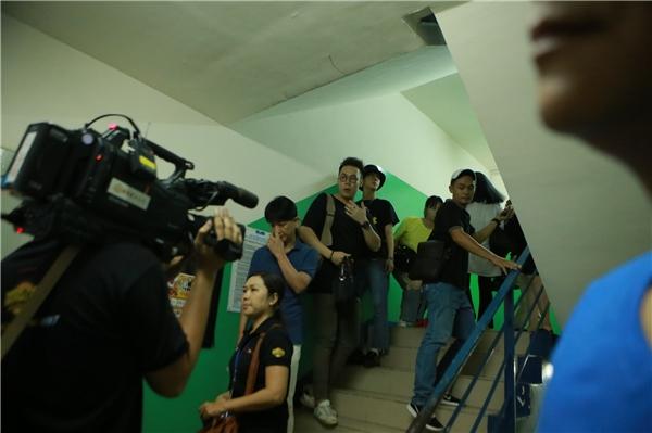 Mặc dù lịch trình của Yesung không được công bố rộng rãi nhưng các khán giả hâm mộ đã tìm mọi cách để có được thông tin và tiếp cận thần tượng.