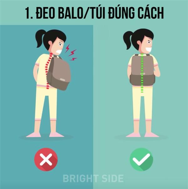 Đeo túi với trọng lượng lớn hơn cho phép ở một bên của cơ thể có thể dẫn gây đau lưng và vai.