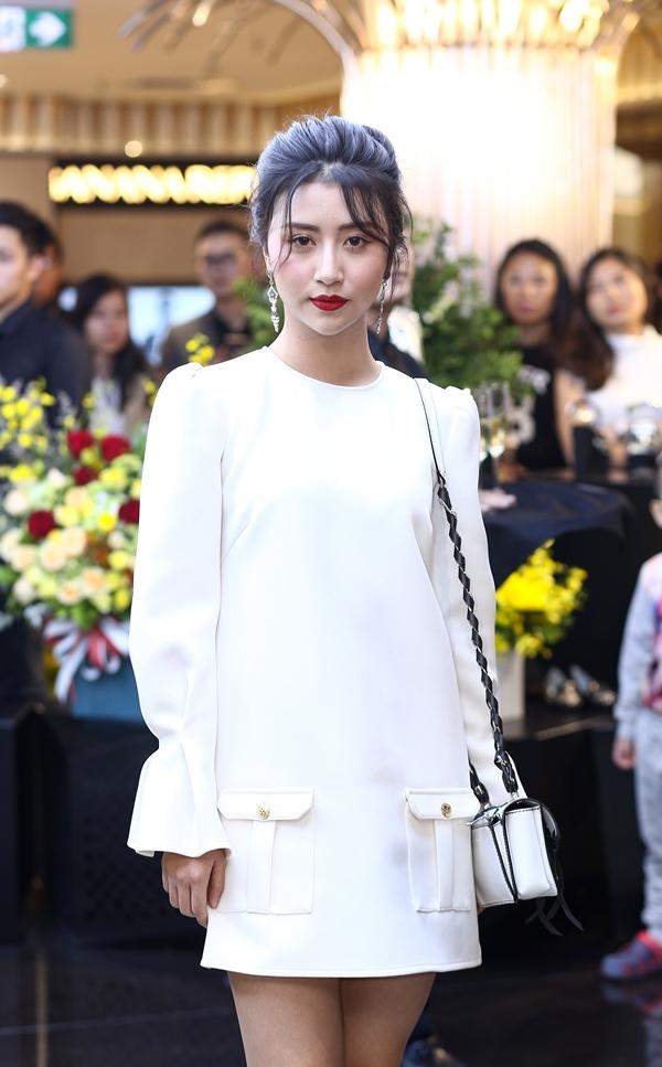 Ngoài ra, sự kiện cũng có sự góp mặt của hot girl Quỳnh Anh Shyn.