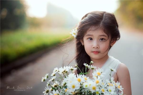 Phiên bản nhí đẹp từng centimet của Lưu Diệc Phi tại Việt Nam