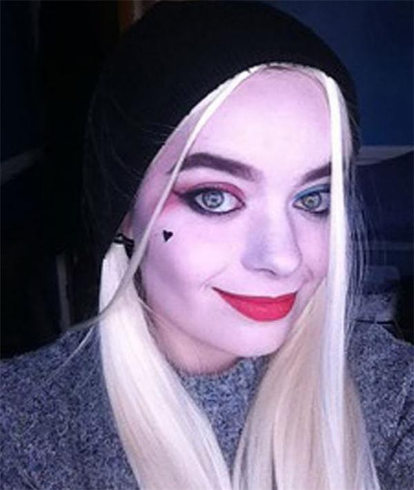 Cô nàng gây sốt với vẻ ngoài giống Harley Quinn hơn cả Margot Robbie