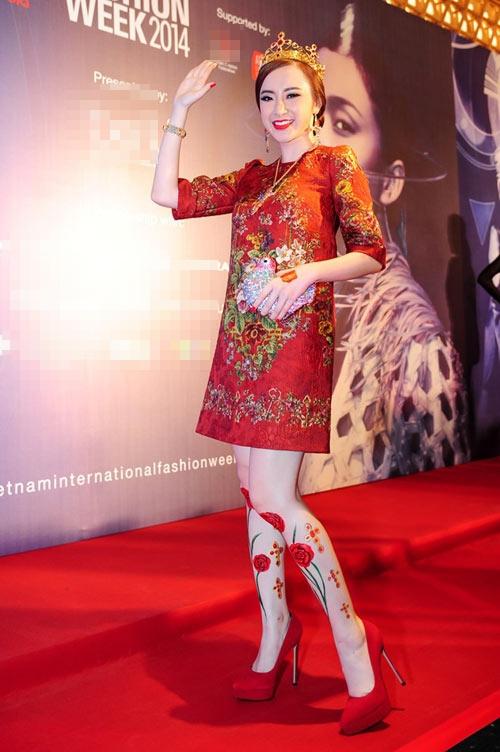 Angela Phương Trinh và những lần diện lố khiến khán giả trố mắt