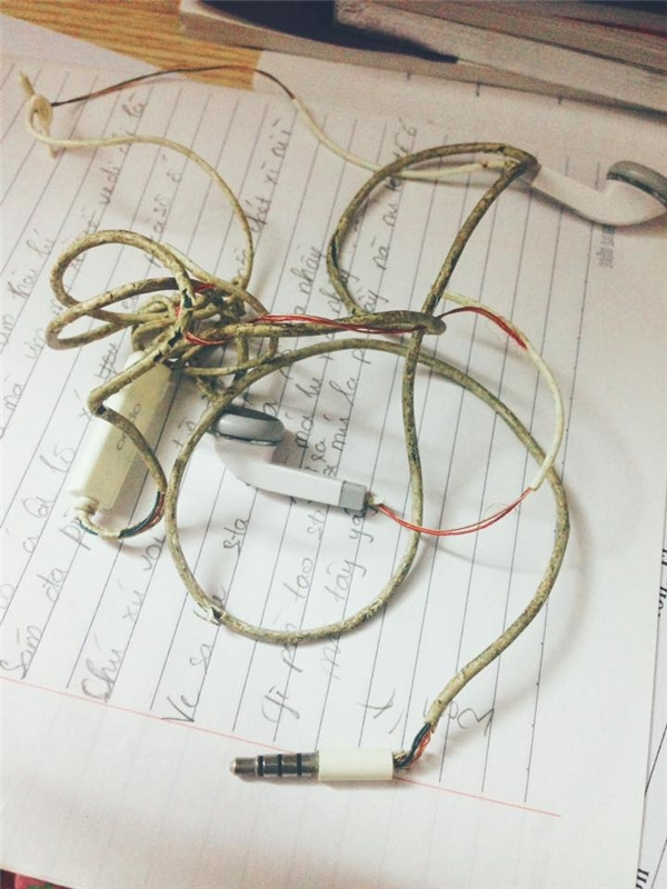 """Những kiểu dây sạc chứng minh netizen Việt """"lầy lội"""" quá mức cho phép"""
