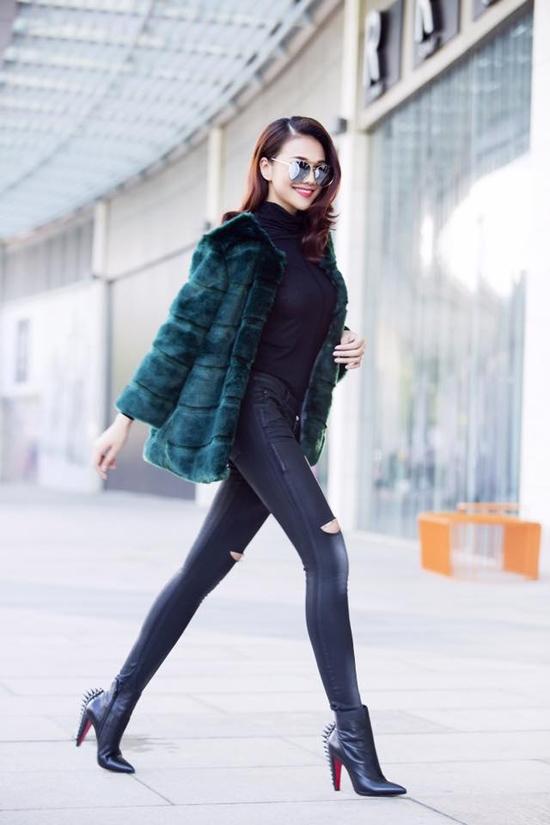 Đọ tài phối áo lông mùa lạnh của mỹ nhân Việt