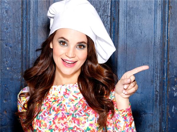 Kênh Youtube Rosanna Pansino hiện nay có gần 7,4 triệu người đăng kí. Đây là kệnh chuyên đăng tải những video dạy làm bánh được nhiều người yêu thích.
