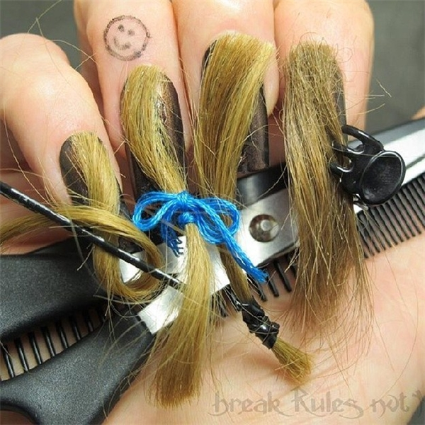 Nếu không thích lông thú, bạn có thể chuyển sang... tóc người.