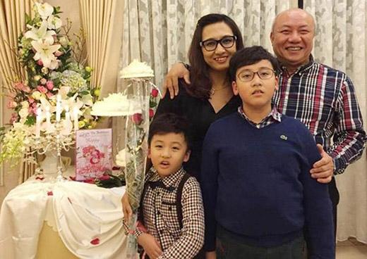 Gia đình nhỏhạnh phúccủa BTV Vân Anh.
