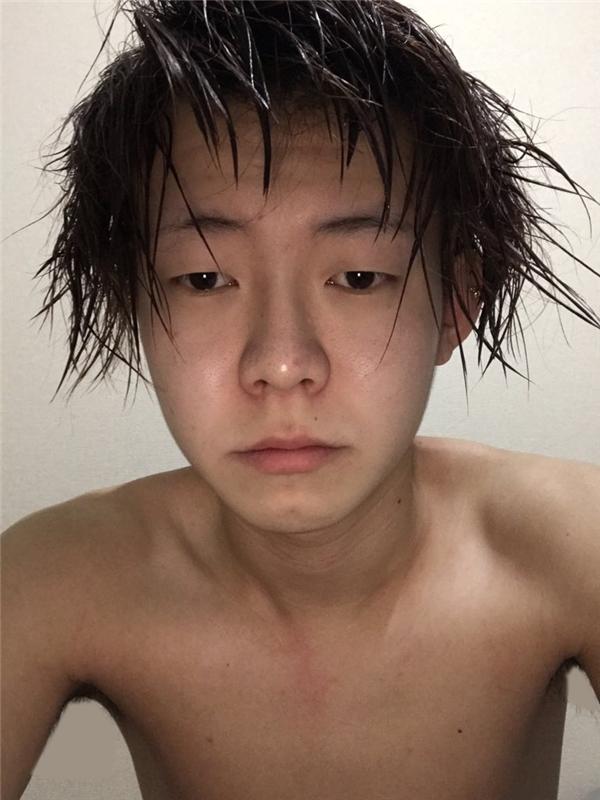 """Yokiki sở hữu khuôn mặt có phần bình thường, đôi mắt ti hí vàchiếc mũi to. """"Sự thật tàn nhẫn"""" này đã khiến nhiều người """"ngất lịm""""."""