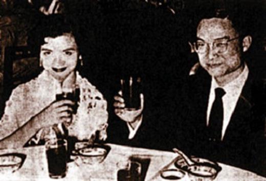 Hôn nhân của ông trải qua với 3 người phụ nữ. Người vợ thứ 2 - Chu Mai là người khiến ông ray rứt, ân hận nhiều nhất.