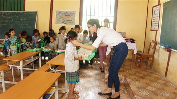 Diệu Ngọc mang trường mầm non Lào Cai vào dự án nhân ái Miss World