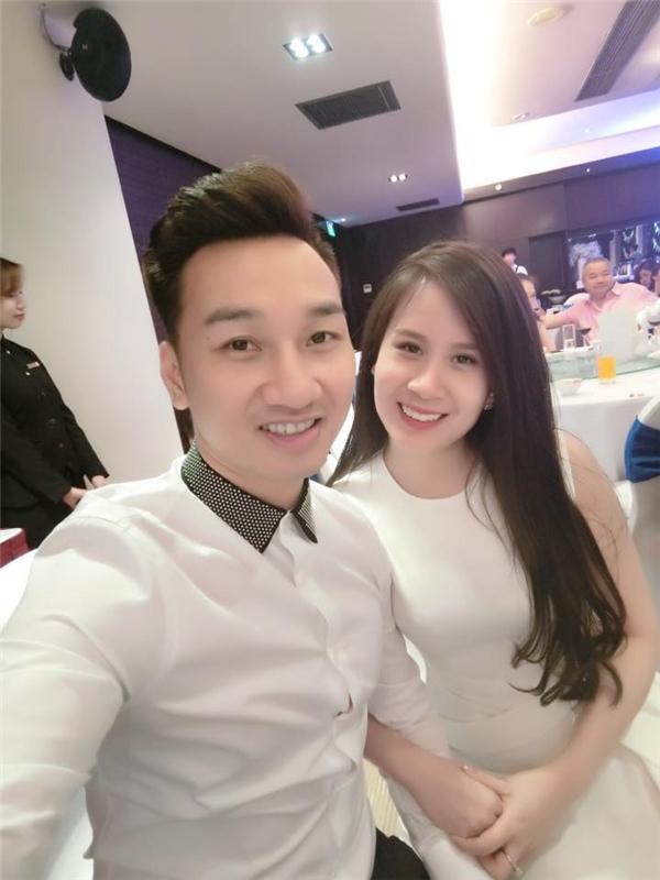Bạn gái của Thành Trung không những xinh đẹp mà còn là một người hiểuvà thông cảm, chia sẻ về cuộc sống, công việc của anh. - Tin sao Viet - Tin tuc sao Viet - Scandal sao Viet - Tin tuc cua Sao - Tin cua Sao