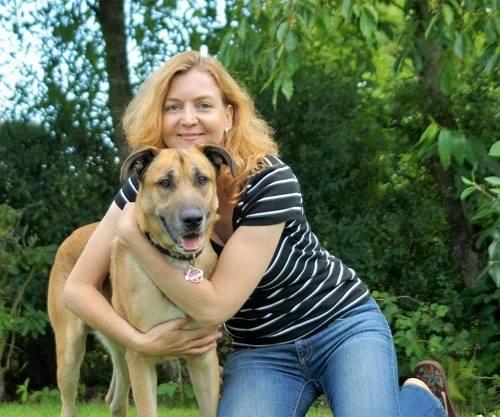 Cô đặt tên cho chú chó là Rubio. Câu chuyện về chú chó Rubio cùng nữ tiếp viên hàng không Olivia đã khiến bao người cảm động sau khi được đăng tải trên mạng xã hội.