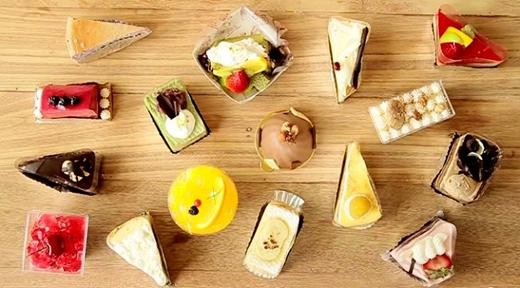 Bánh ngọt, chocolate... chính là hung thủ khiến mặt bạn ngày càng béo ra.