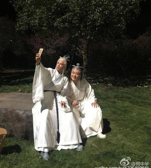"""Hóa ra hai phái chính - tà trong Thanh Vân Chí đều có cùng sở thích chụp ảnh """"tự sướng""""."""