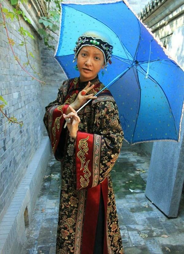 """""""Bà ngoại Tiểu Yến Tử"""" Lý Thạnh dù già vẫn vô cùng xì-tin-dâu."""