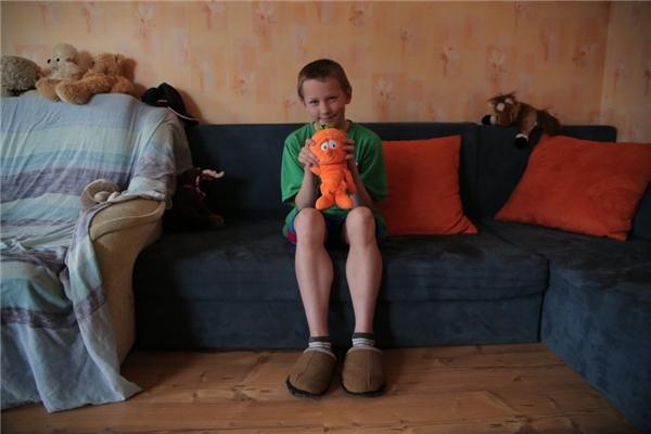 Ở Latvia, một gia đình có thu nhập hơn 10,8 triệu đồng/người lớn thì lại mua cho con họ những con thú nhồi bông.
