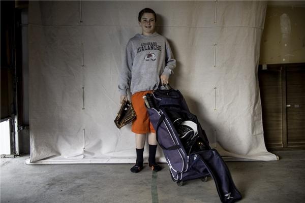 Trong một gia đình Mỹ với thu nhập hơn 105,3 triệu đồng/người lớn, con trai họ được sắm cho một bộ đồ chơi bóng chày khá chuyên nghiệp.