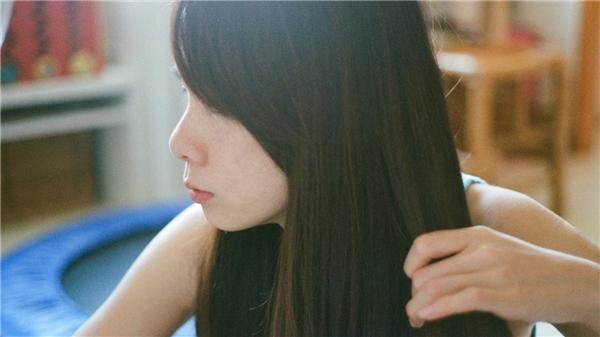 Vậy là bạn đã có thể tự tin khoe mái tóc dày mượt, bóng khỏe, lại còn nhanh dài rồi nhé.