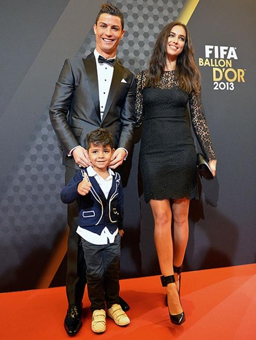 Từ khi chào đời cho đến nay, cuộc sống của Ronaldo Junior luôn khiến giới truyền thông phải tò mò, chú ý sát sao.