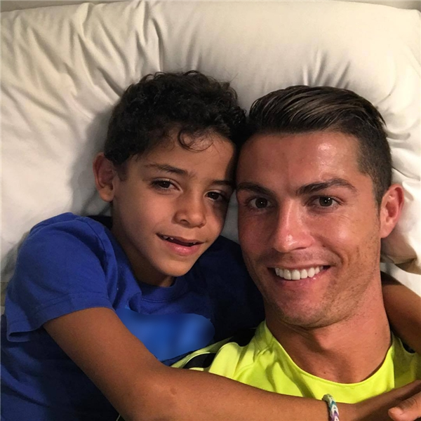 Cuộc sống đáng ghen tị của con trai CR7: Cristiano Ronaldo Junior