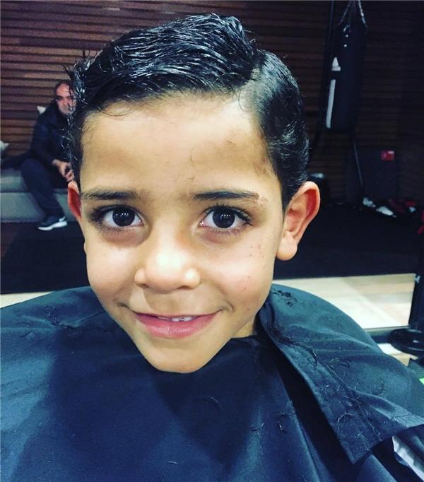 Người hâm mộ có toàn quyền hy vọng và tin chắc rằng Ronaldo nhí sẽ trưởng thành và đẹp trai, tài năng hơn cả bố của mình.