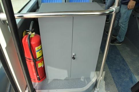 Tủ kĩ thuật hiện đại, phục vụ các thiết bị tự động, lần đầu tiên xuất hiện trên xe buýt.