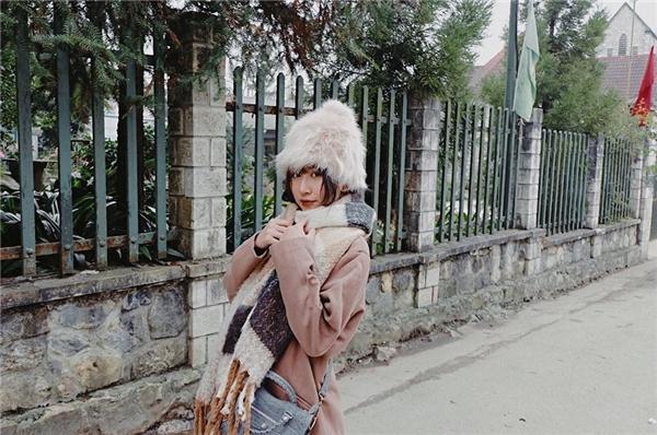 Có lẽ vì được quá nhiều người yêu mến, nên cuộc sống đời tư củaQuỳnh Anh Shyncũng trở thành chủ đề khiến giới trẻ quan tâm.(Ảnh: Internet)