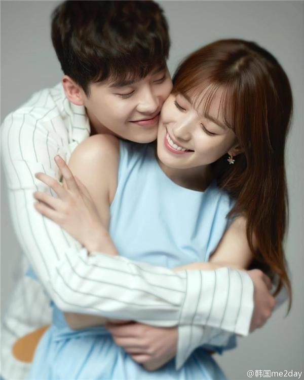 Saranghae nghĩa là Anh yêu em. Đây là câu nói kinh điển xuất hiện trong mọi bộ phim Hàn Quốc, chỉ cần nghe câu này là đủ hiểu nam/nữ chính đang có tình cảm với đối phương rồi đấy.
