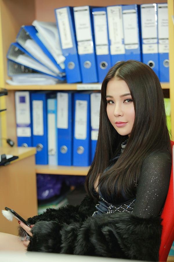 Khán giả Hà Nội hốt hoảng vì không nhận ra Diệp Lâm Anh - Tin sao Viet - Tin tuc sao Viet - Scandal sao Viet - Tin tuc cua Sao - Tin cua Sao