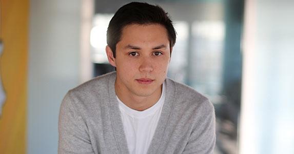 Bobby Murphy là một doanh nhân người Mỹ gốc Philippines, tốt nghiệp trường đại học Standford danh giá. Anh là người đồng sáng lập nên ứng dụng bạc tỉ Snapchat cùng Evan Spiegel và Reggie Brown.