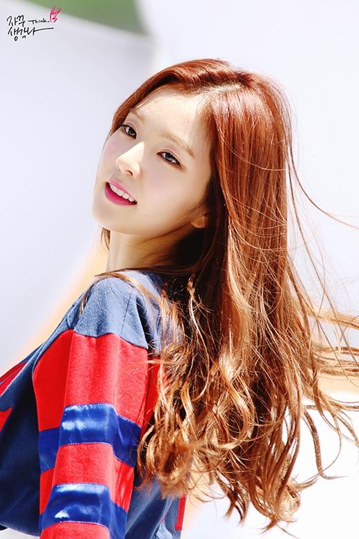"""Vẻ đẹp """"như hoa như ngọc"""" của Irene chính là """"vũ khí"""" lợi hại hút fan của Red Velvet."""