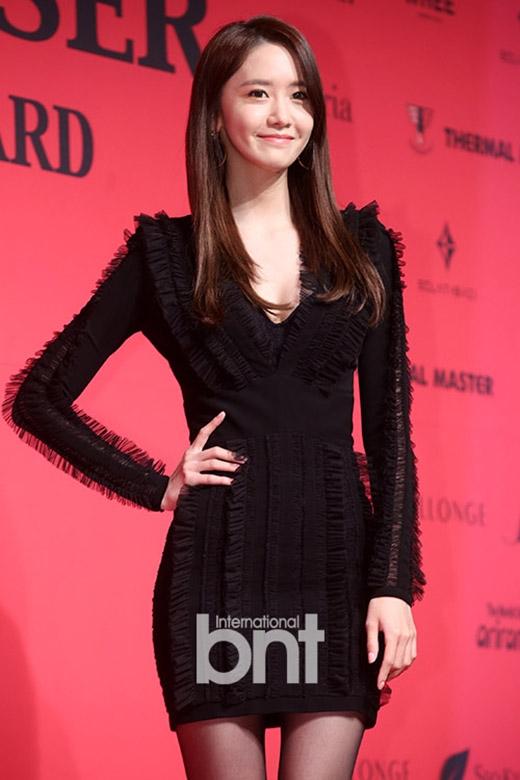 Thành viên SNSD luôn là tâm điểm trên thảm đỏ, thời trang sân bay của nữ ca sĩ cũng nhận được sự đánh giá cao của netizen Hàn.