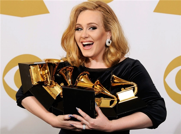 Adele được dự đoánsẽ tranh tài cùng Beyoncé.