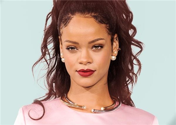 Rihannagiành 8 đề cử tại Grammy 2017.