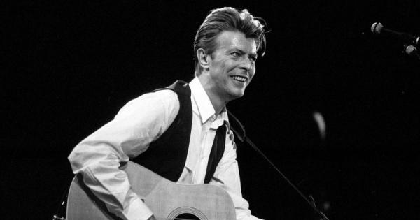 Đã đến lúc Grammy cần công nhận tài năng của thần tượng quá cố David Bowie.