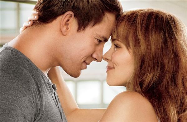 The vow là tác phẩm phim dựa trên chuyện tình lãng mạn có thật của ông bàKim vàKrickitt Carpenter.