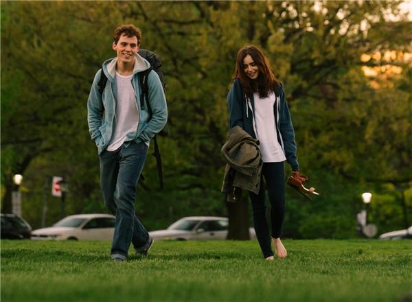Hai nhân vật chính trong phim là Alex và Rosie vốn là những người bạn thân thiết từ thời thơ ấu.